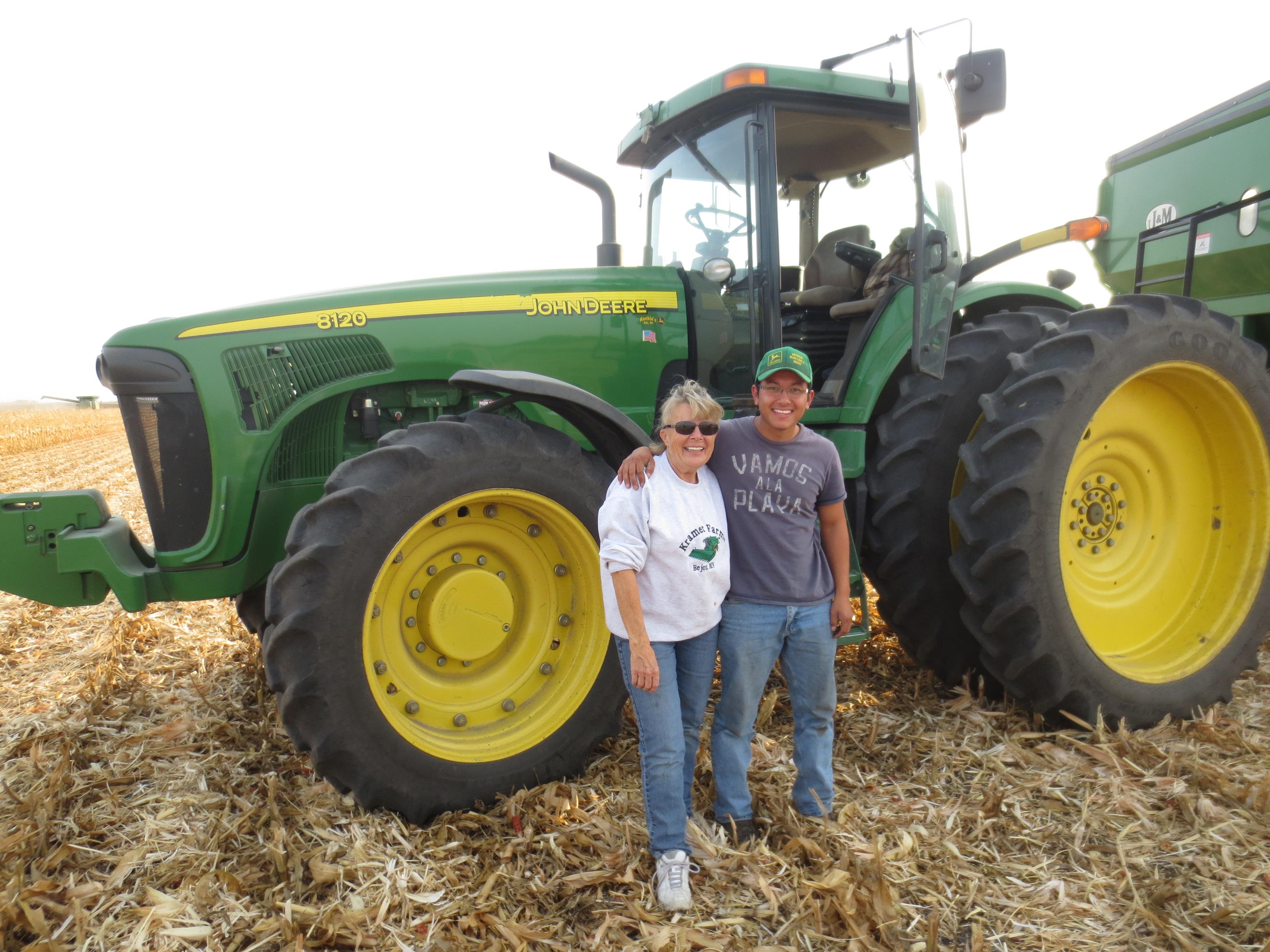 2012.09 visit Kramer Farms-intern Tanno Guilherme