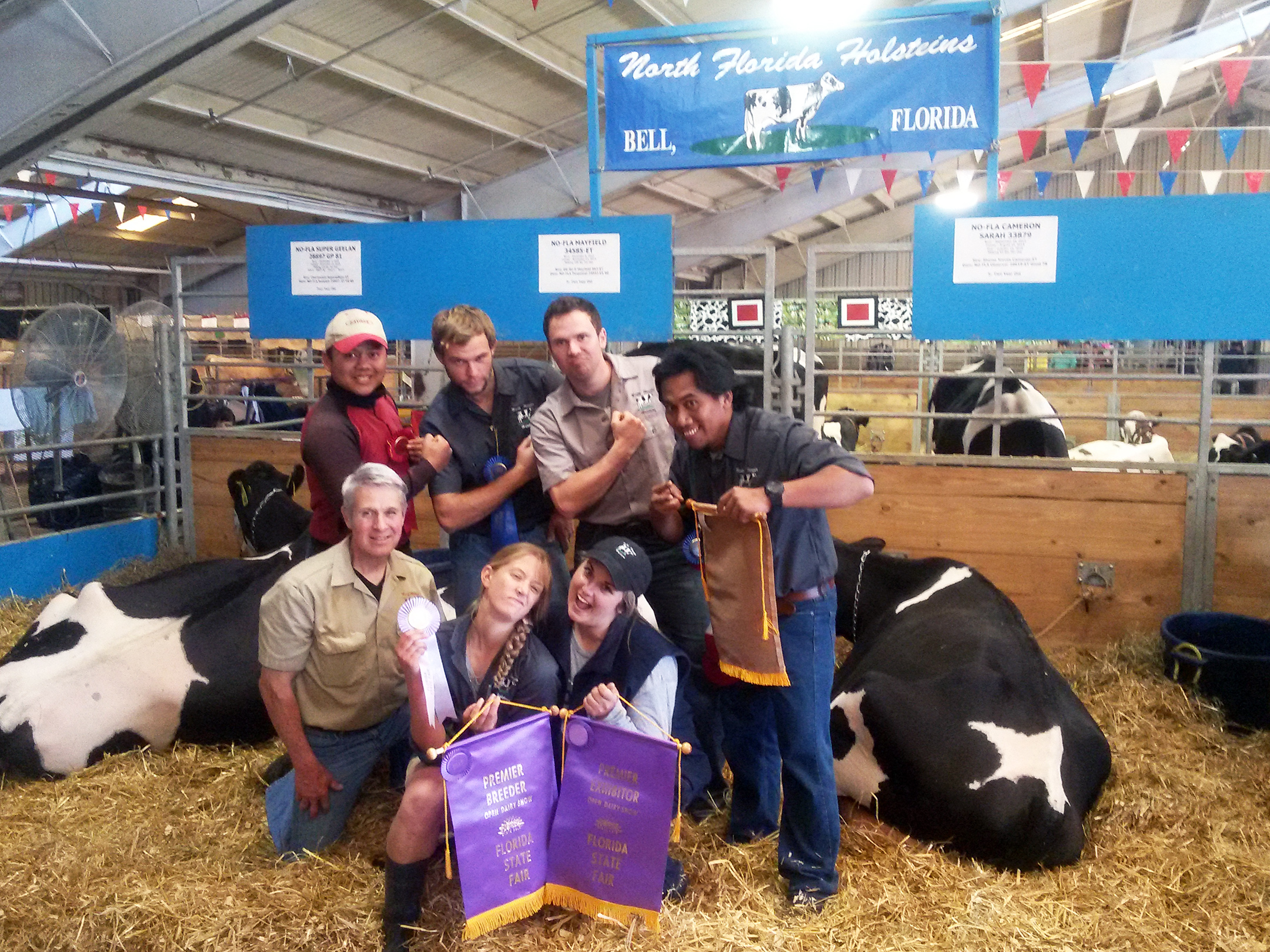 2014 interns join World Dairy Expo with North Florida Holstien